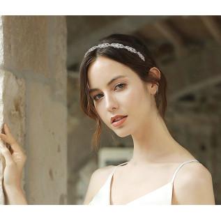 Boucles d'oreilles vintage de style victorien sur dormeuses en argent 925 composées de connecteurs, de perles en cristal