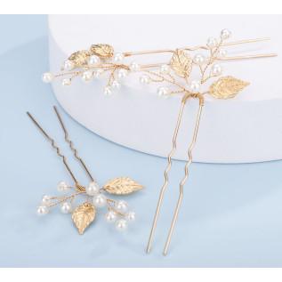 Boucles d'oreilles sur clous en argent 925 avec pendentifs zirconiums (cubic zirconia) ronds de couleur crystal.