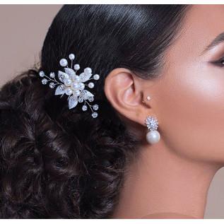 Parure 2 pièces (collier sur fil nylon et boucles d'oreilles sur clous) composée de perles de verre nacrées grises (ligh