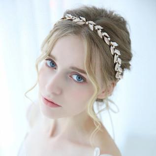 Parure 3 pièces (collier et bijou de dos sur plaqué argent sur fil de nylon transparent et boucles doreilles sur dormeus